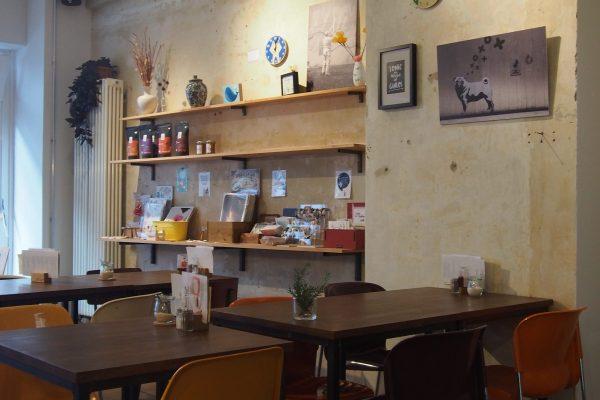 Café Lockvogel Tische