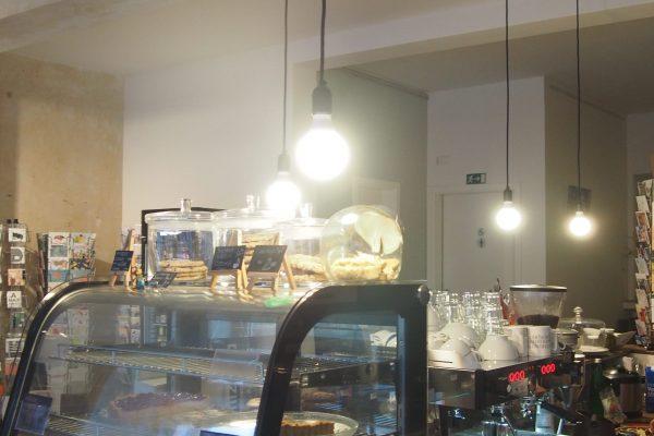 Café Lockvogel Theke
