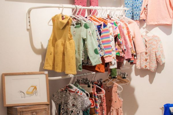 Kreativregal Kinderkleidung